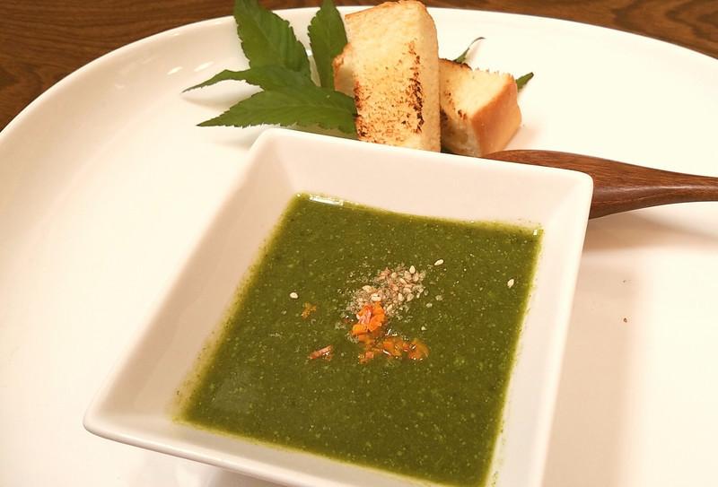 緑黄色野菜のスープ