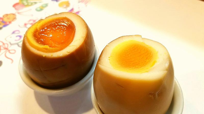 らんらん卵で薫製