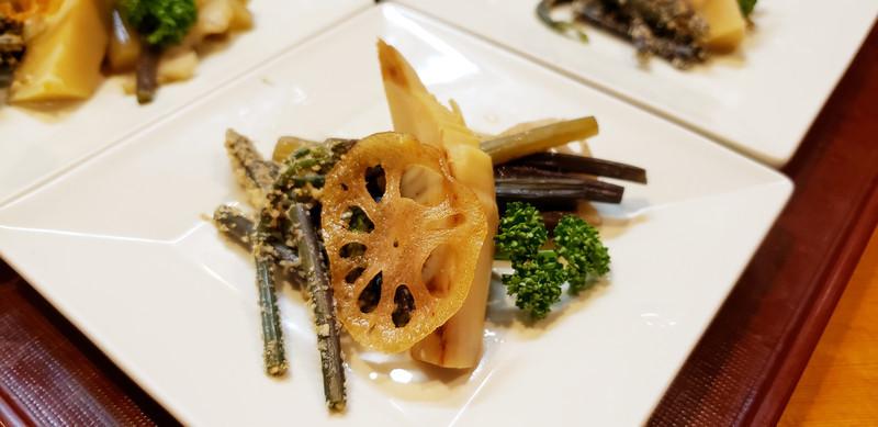 ツワと蕨、筍。春のお野菜。